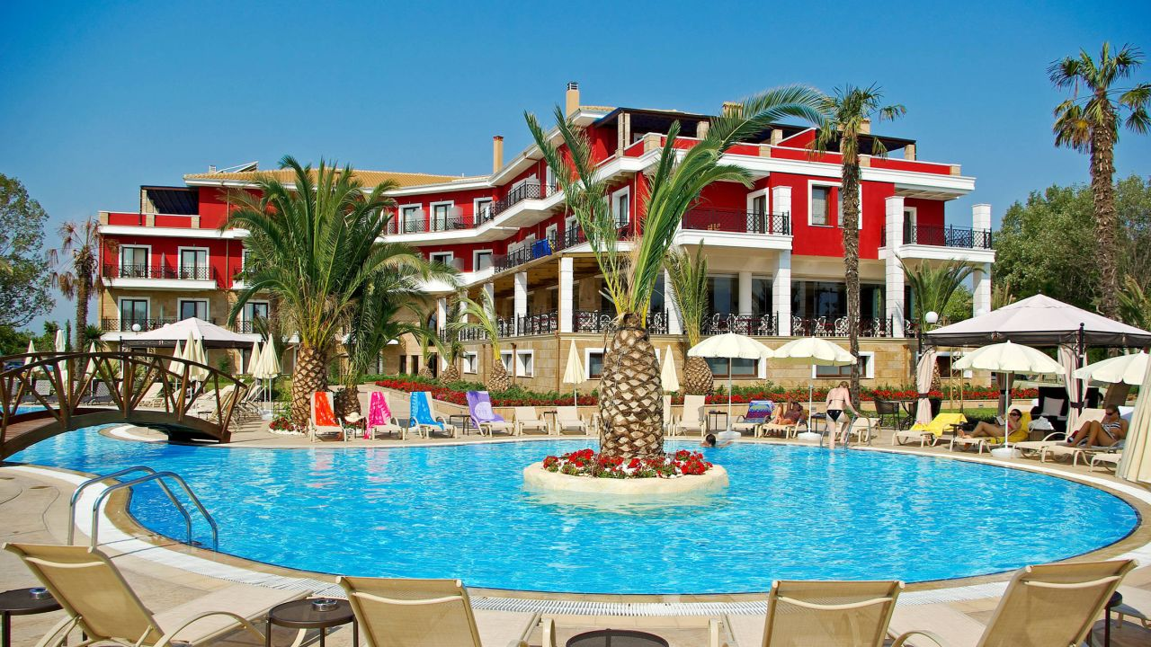 Hotel mediterranean princess adults only paralia for Top hotels griechenland