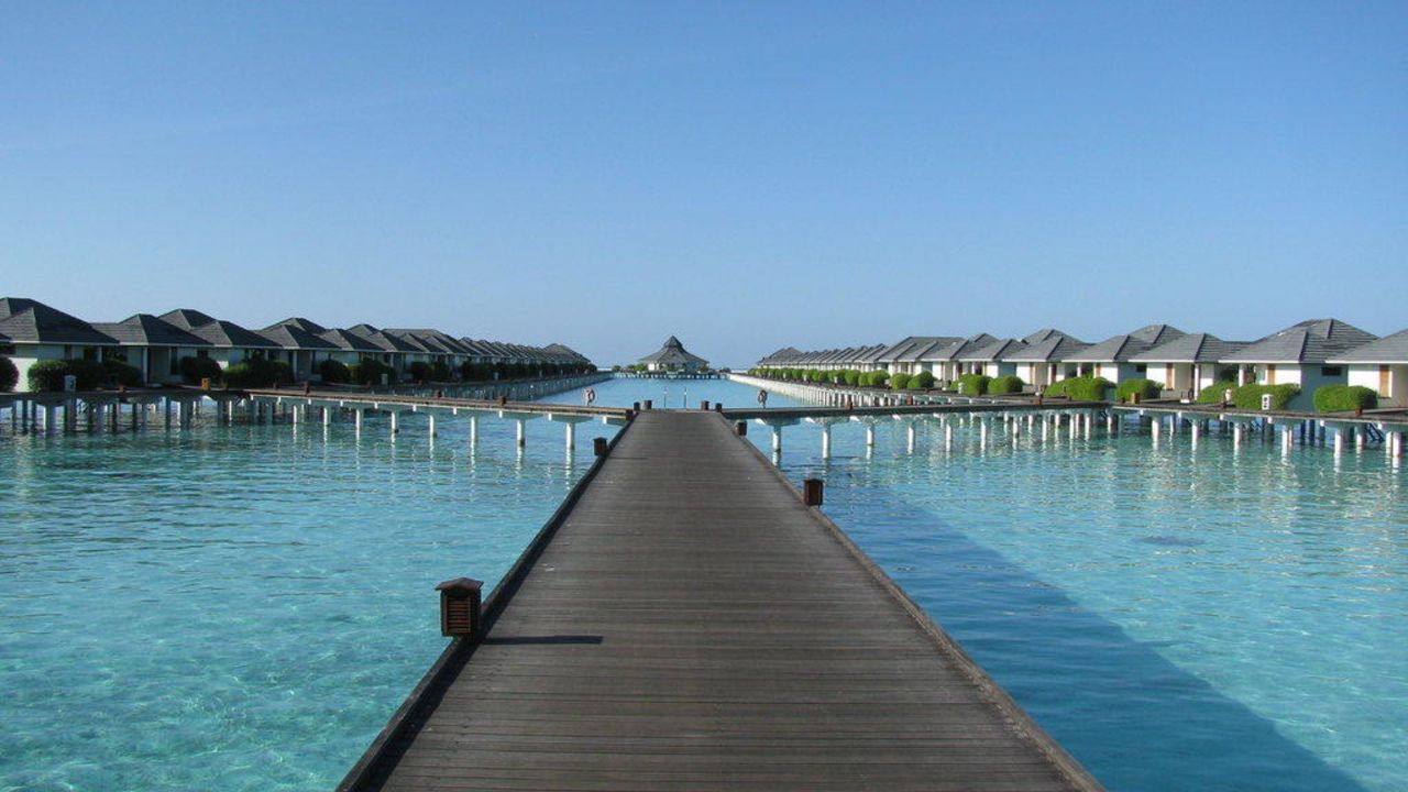 Holiday Island Resort Ari Atoll
