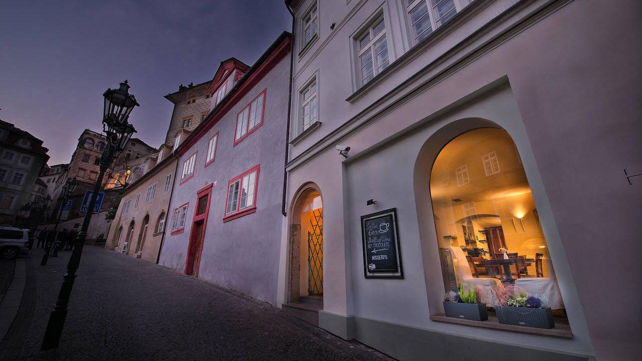 Design hotel neruda prag praha holidaycheck for Designhotel elephant praha 1 tschechische republik