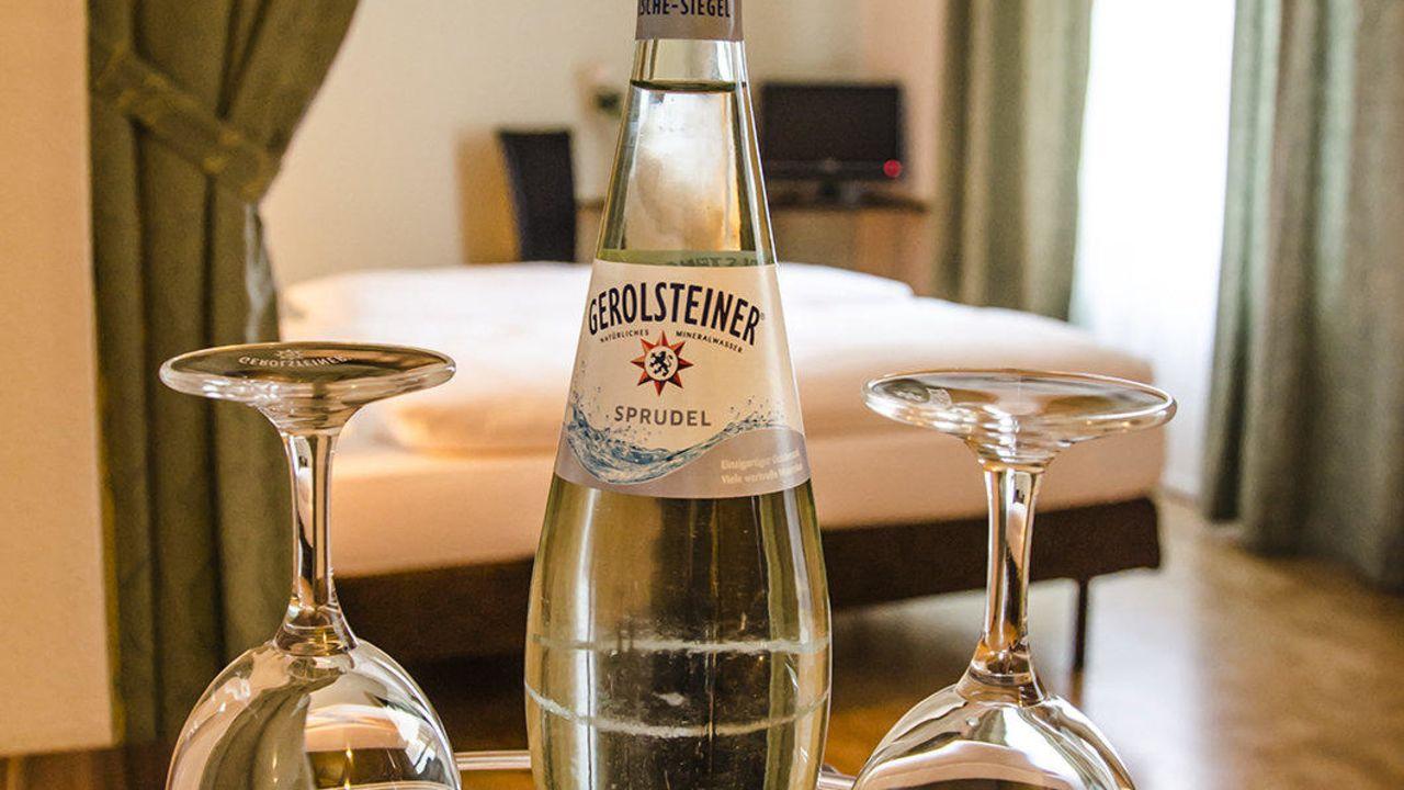 hotel pension victoria in berlin lichtenberg holidaycheck berlin deutschland. Black Bedroom Furniture Sets. Home Design Ideas