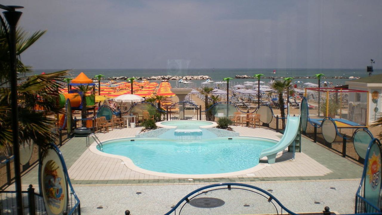 Hotel Belsoggiorno in Cattolica • HolidayCheck  Emilia ...