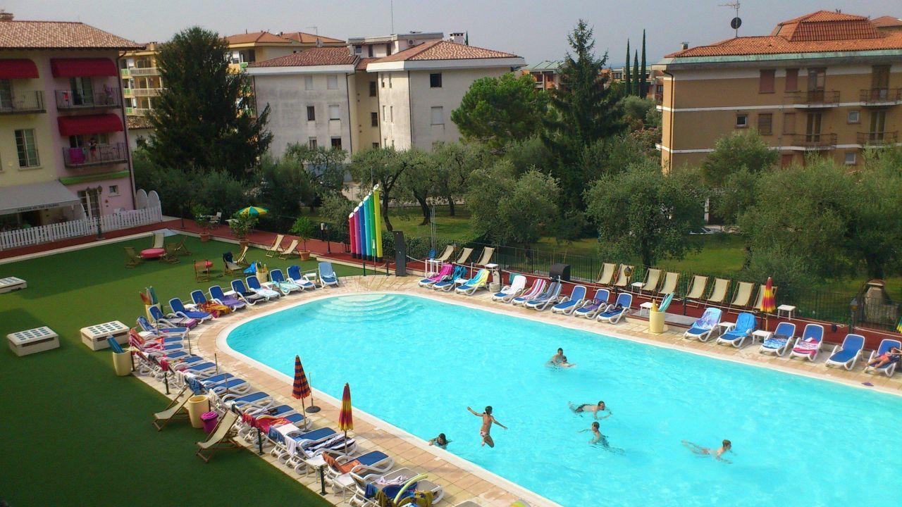 Residence giardino dei colori maderno holidaycheck lombardei italien - Hotel giardino toscolano maderno ...