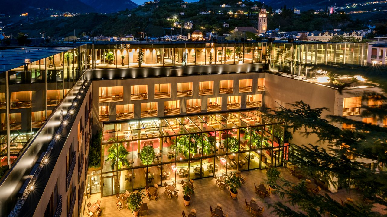 Hotel therme meran merano meran holidaycheck for Hotel meran design