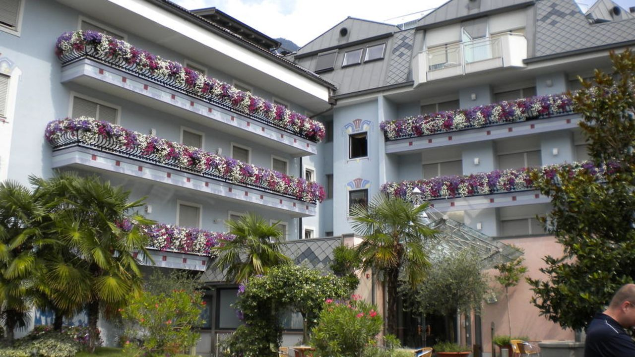 hotel ideal leifers