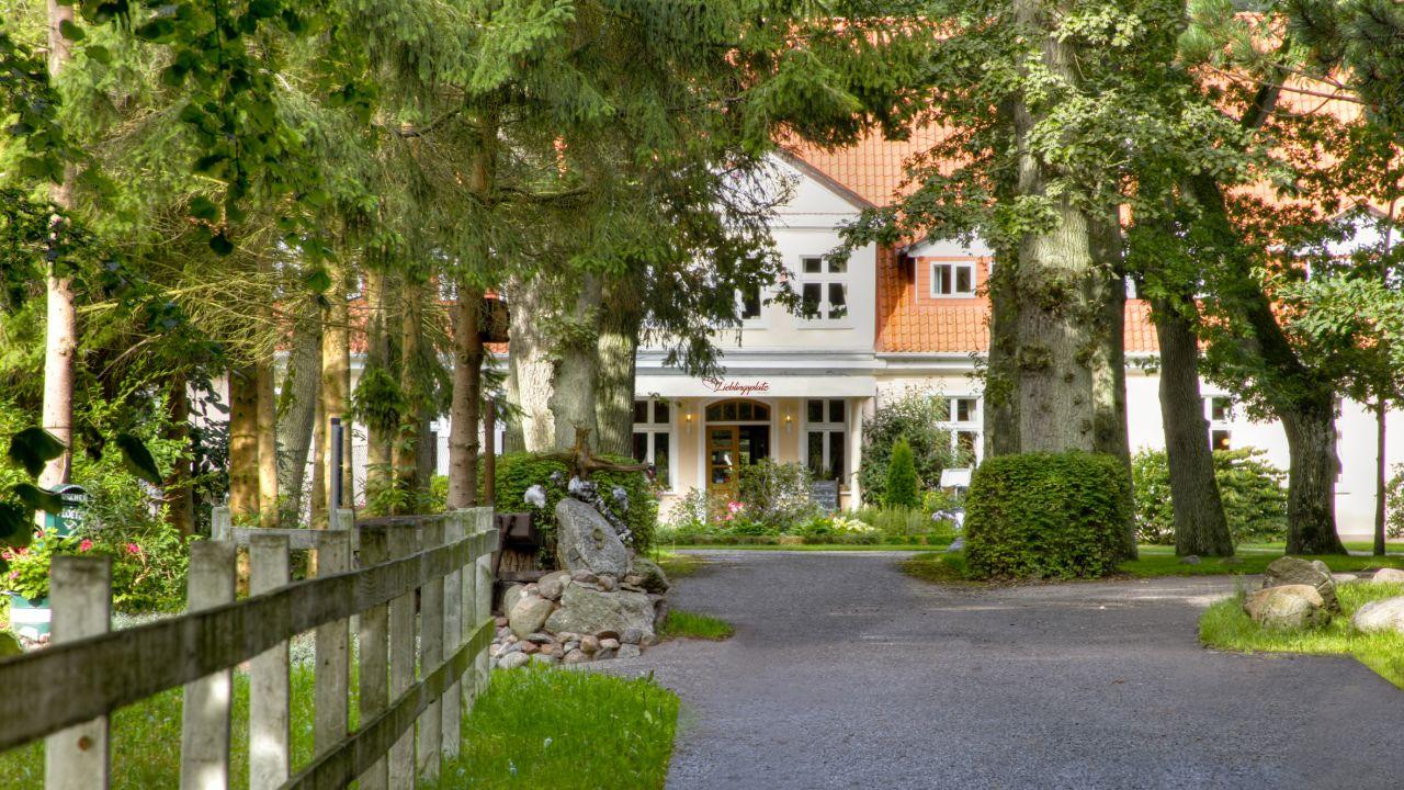 landhotel herrenhaus bohlendorf wiek auf r gen holidaycheck mecklenburg vorpommern. Black Bedroom Furniture Sets. Home Design Ideas