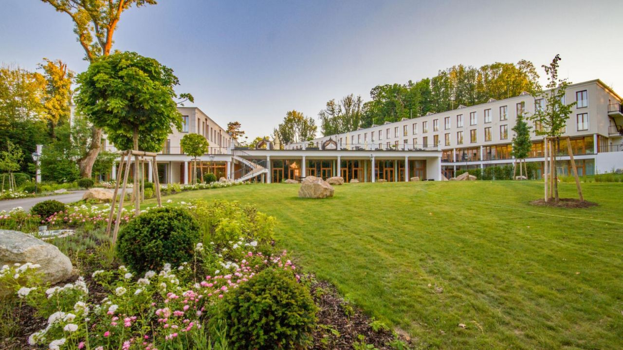Superior Schlosspark Mauerbach Resort & Spa - HolidayCheck