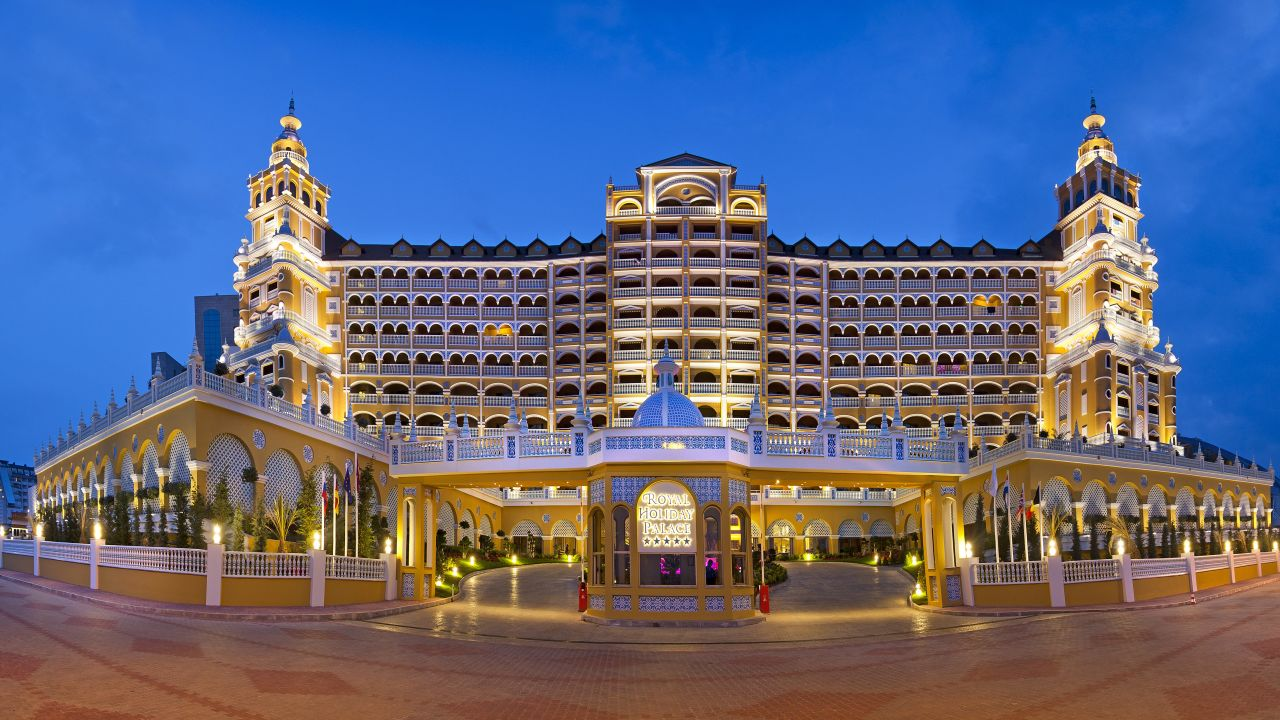 Hotel Royal Holiday Palace