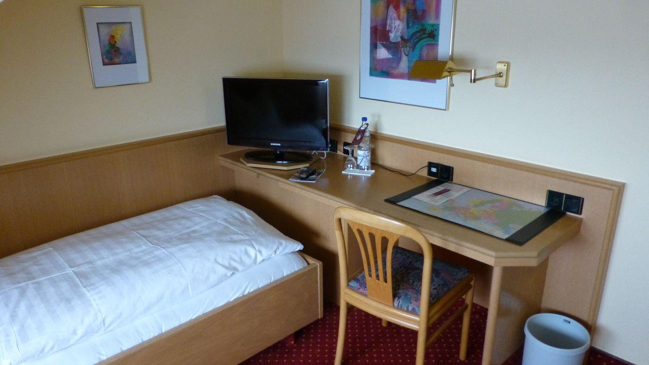hotel zur post in lohfelden holidaycheck hessen deutschland. Black Bedroom Furniture Sets. Home Design Ideas