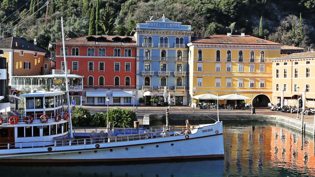 Hotel europa skypool panorama riva del garda holidaycheck trentino italien - Hotel giardino riva del garda ...