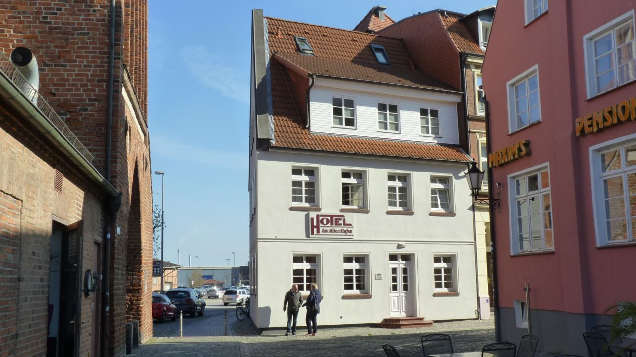 hotel am alten hafen wismar holidaycheck mecklenburg. Black Bedroom Furniture Sets. Home Design Ideas