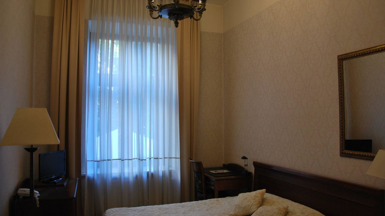 schlafsofas aus polen schlafzimmer wandtattoo vadora deko m nner lampe blau ideen klein. Black Bedroom Furniture Sets. Home Design Ideas