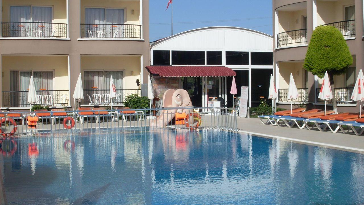 Das Sayanora ist ein 3* Hotel und kann jetzt ab 323€ gebucht werden