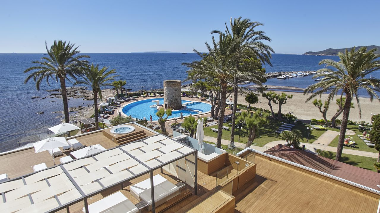 Hotel torre del mar in playa d 39 en bossa holidaycheck for Oficina turismo torre del mar