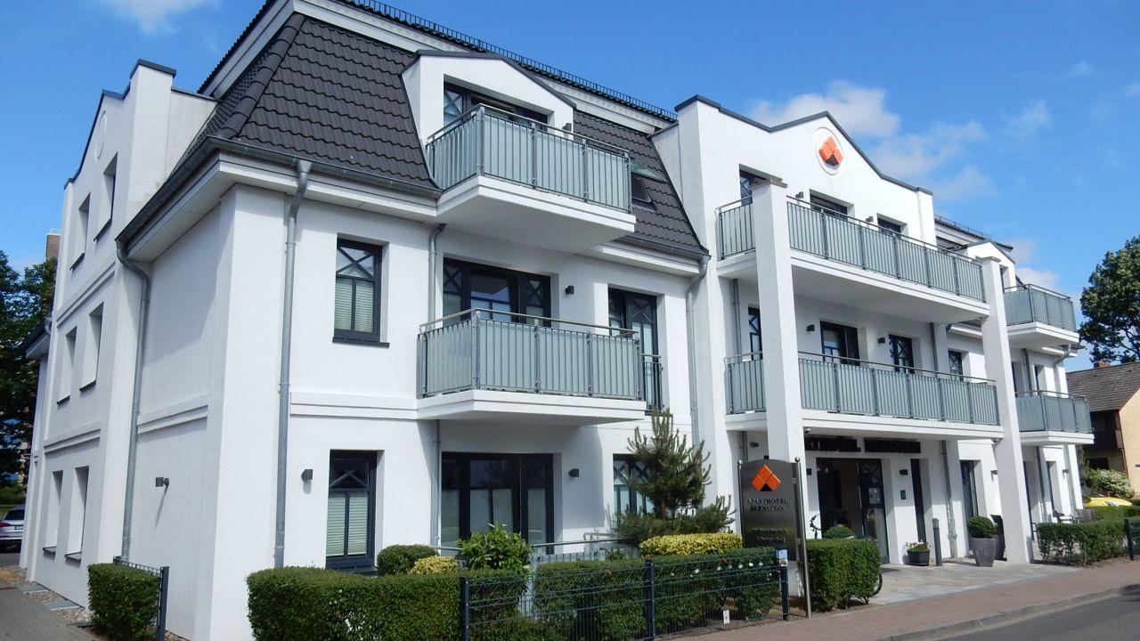 land gut hotel aparthotel bernstein b sum holidaycheck schleswig holstein deutschland. Black Bedroom Furniture Sets. Home Design Ideas