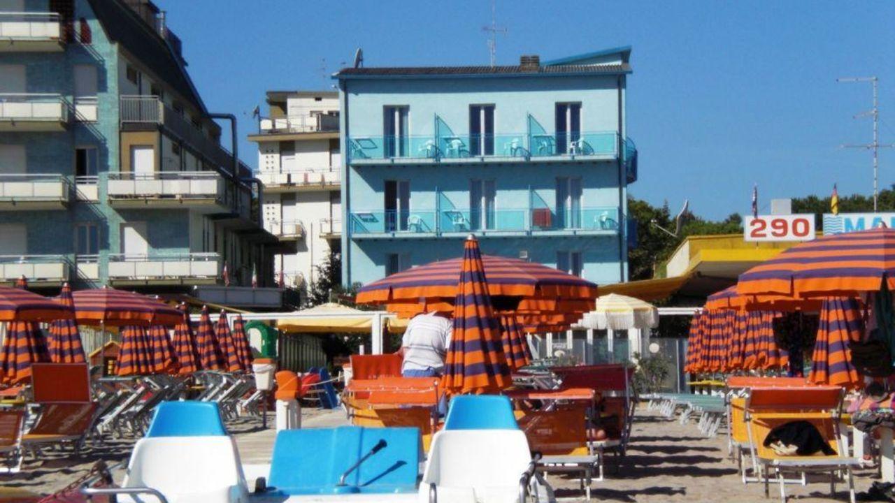 Hotel royal milano marittima holidaycheck emilia romagna italien - Bagno sauro cervia ...