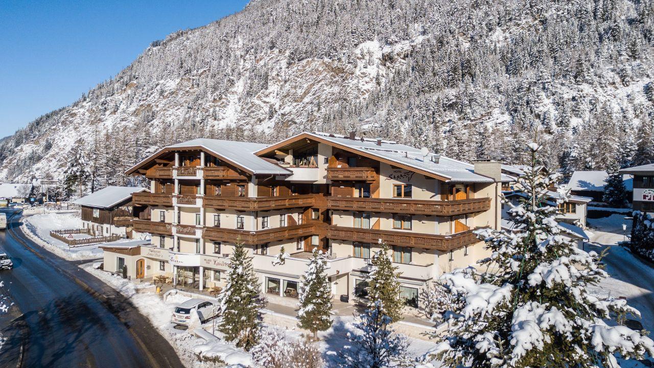 Wellnesshotel & Therme Tirol - AQUA DOME in Lngenfeld