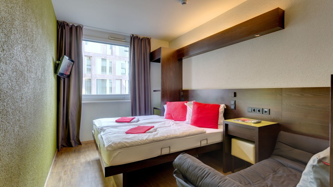 Meininger Hotels: Cheap Berlin Meininger Hotel Deals | Expedia