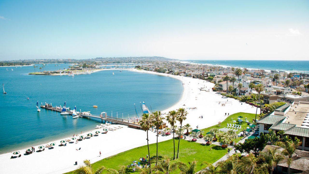 Catamaran resort hotel spa san diego holidaycheck for 7 image salon san diego
