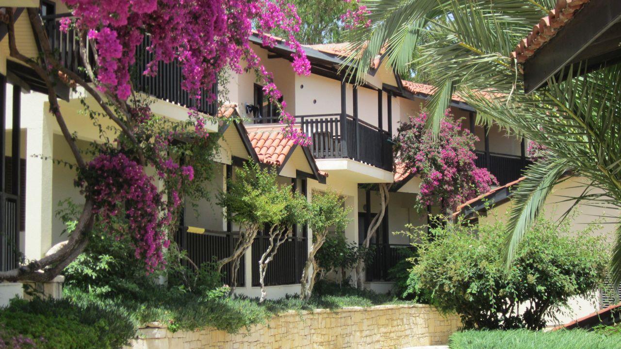 Das Melas Holiday Village ist ein 4* Hotel und kann jetzt ab 482€ gebucht werden