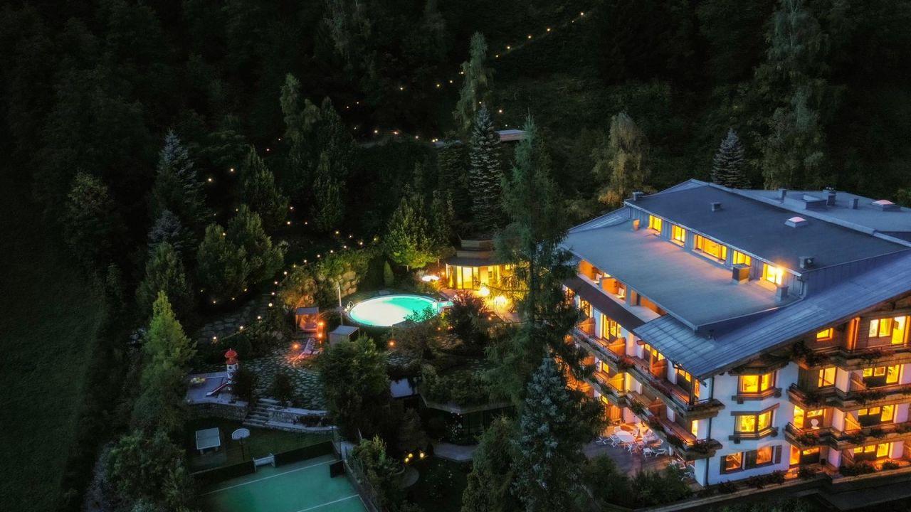 Gartenhotel theresia saalbach hinterglemm holidaycheck for Designhotel hinterglemm