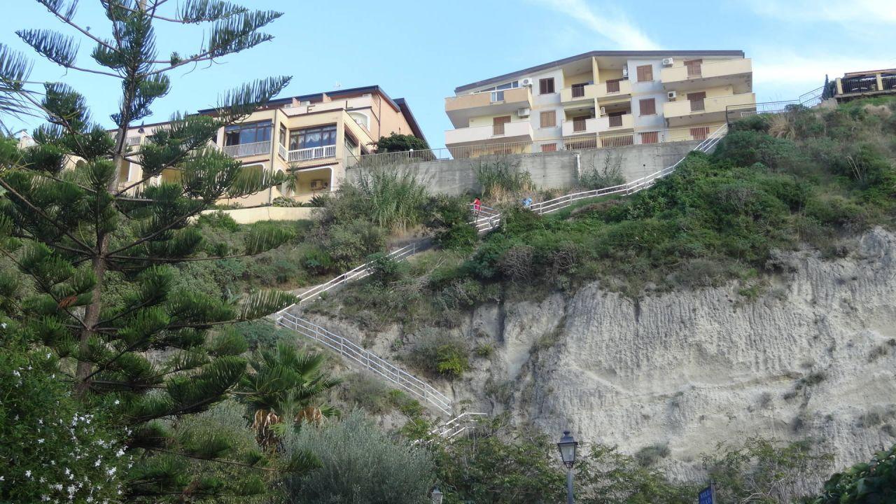 Hotel terrazzo sul mare tropea holidaycheck kalabrien for Hotel barcellona sul mare