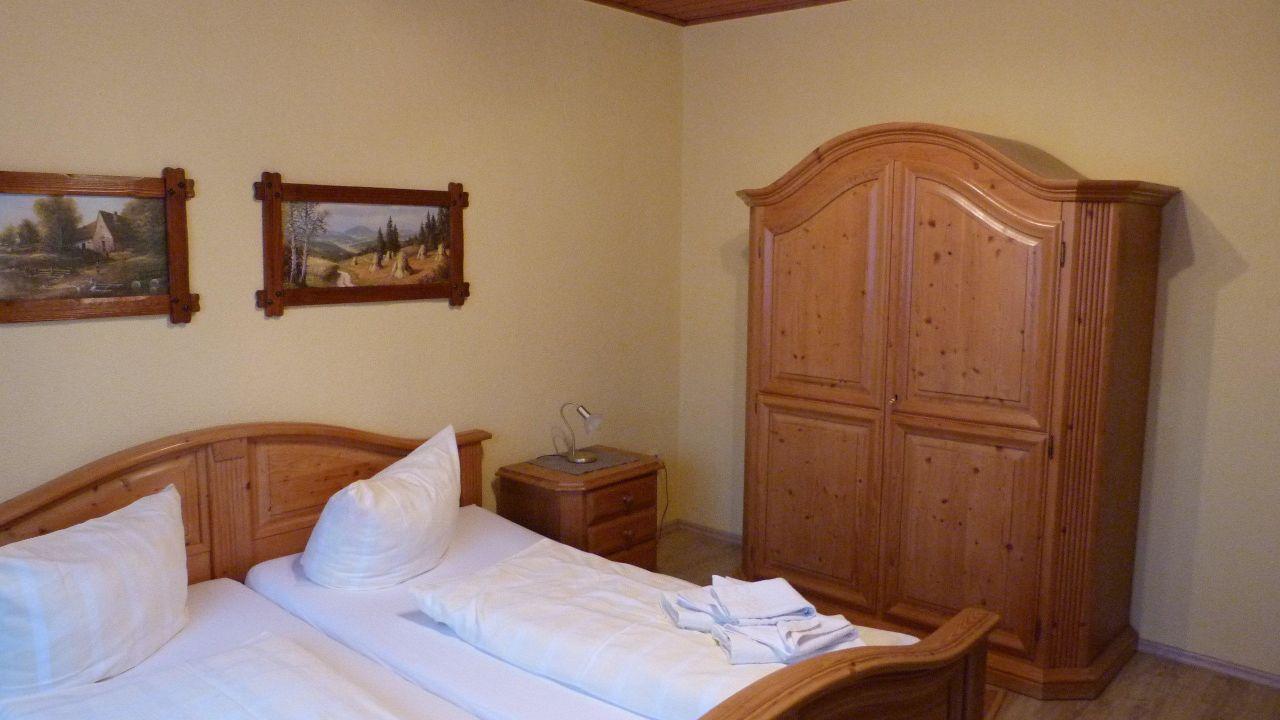 gasthaus zum roten hirsch im gr nen wald in saalfelder h he holidaycheck th ringen deutschland. Black Bedroom Furniture Sets. Home Design Ideas