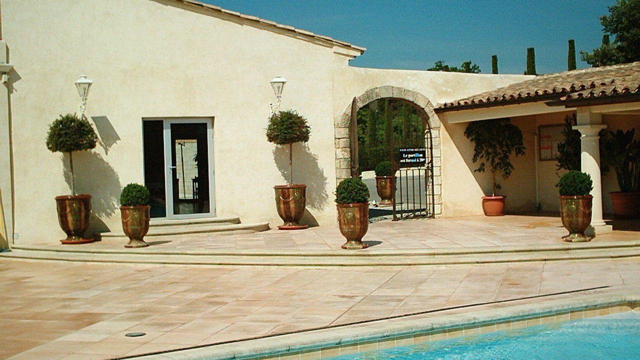 Hotel La Bergerie (Gordes) • HolidayCheck (Provence ...
