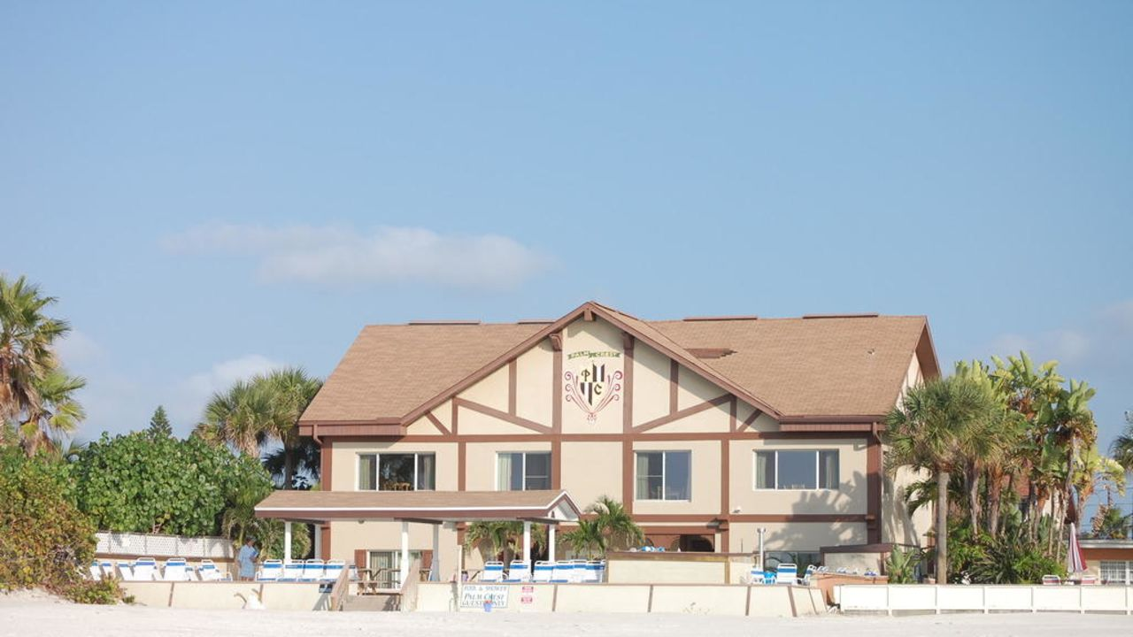 Flop Hotels In St Pete