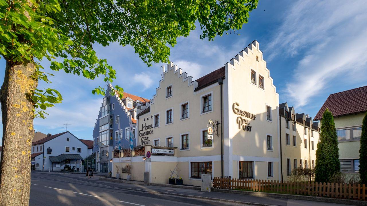 Hotel Gasthof Zur Post (Kümmersbruck) • HolidayCheck (Bayern ...