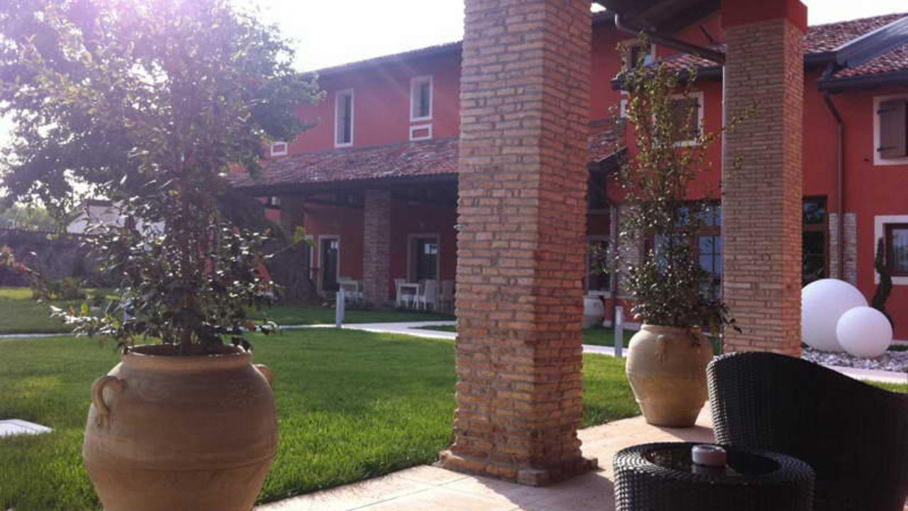 Hotel antico borgo torricella san vito al tagliamento holidaycheck friaul julisch venetien - Piscina san vito al tagliamento ...