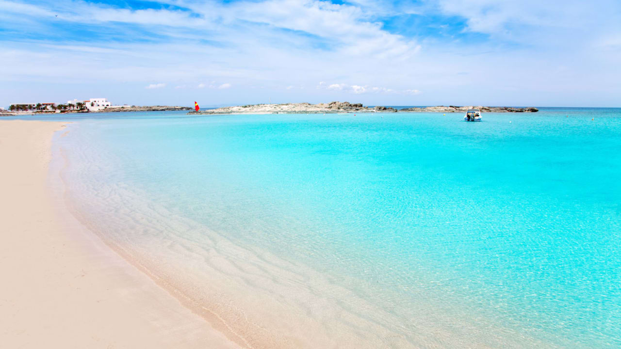 Strand Es Pujols, Formentera, Spanien