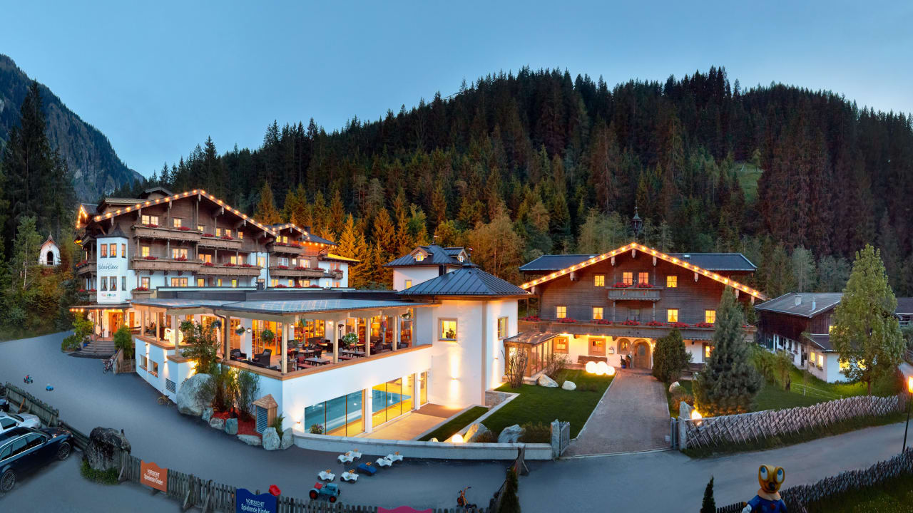 Kinderhotel & Bauernhof-Resort Habachklause