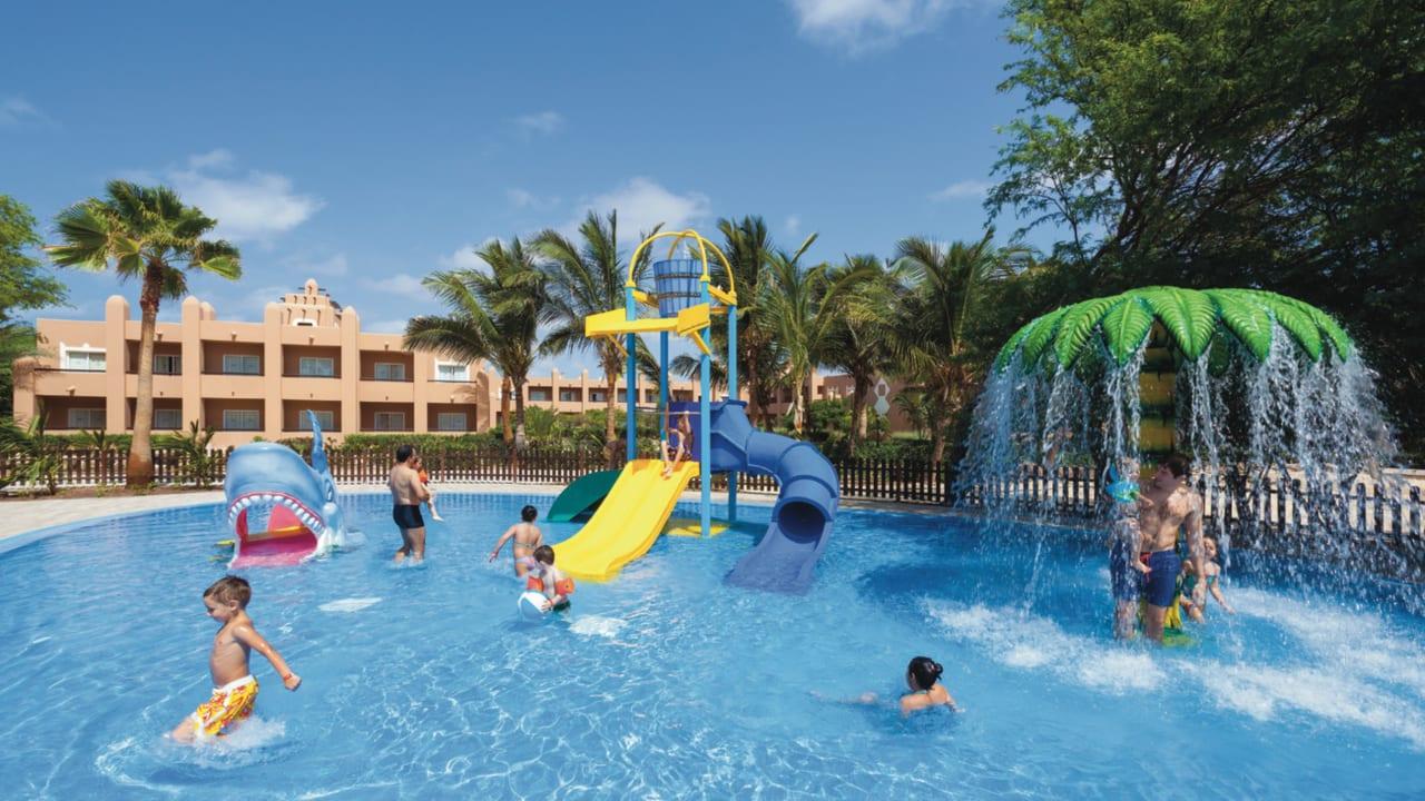 Hotel Riu Funana