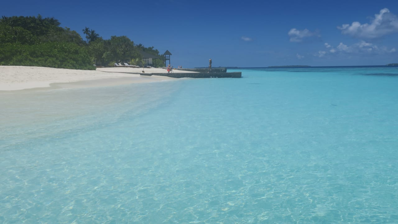 Adaaran Select Meedhupparu Island Resort
