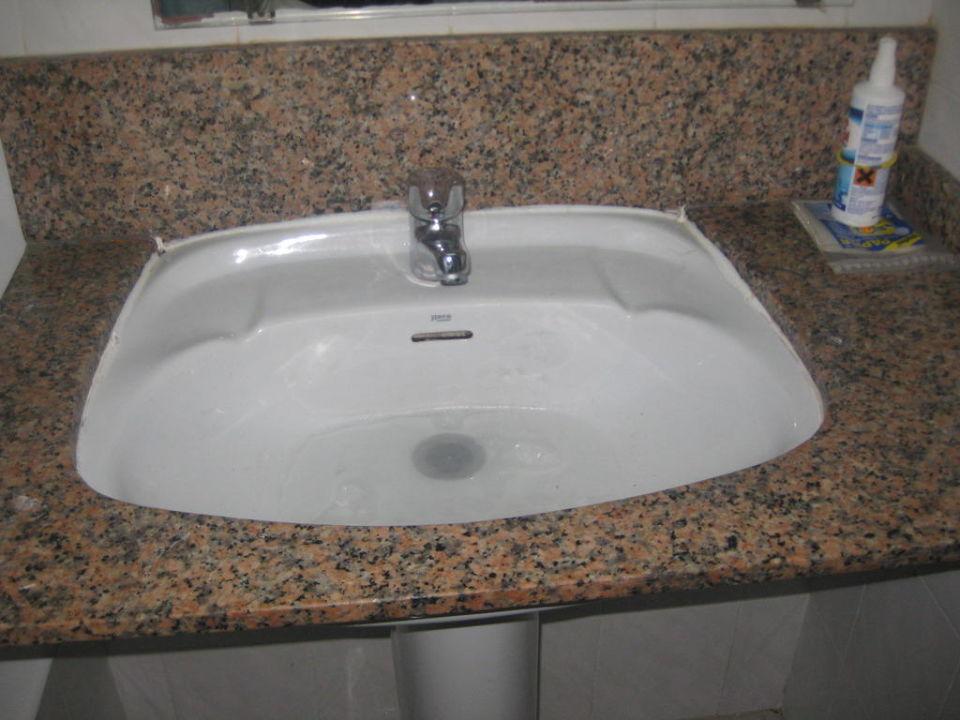 verstopftes waschbecken elegant abflussrohr waschbecken rohr siphon austauschen verstopft. Black Bedroom Furniture Sets. Home Design Ideas