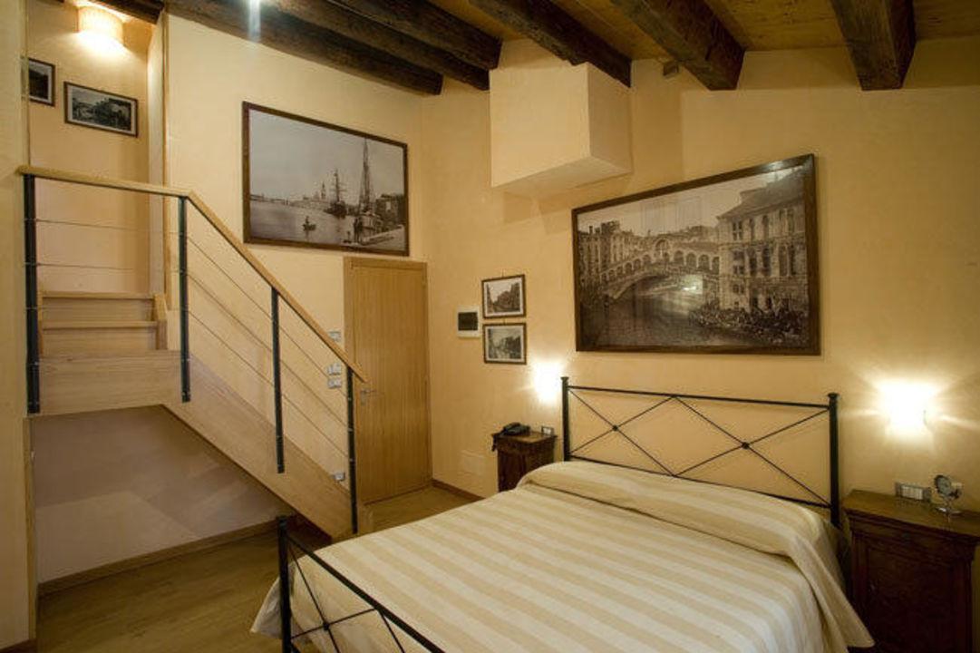 """Room n201 """"suite"""" B&B Ca' Barba"""