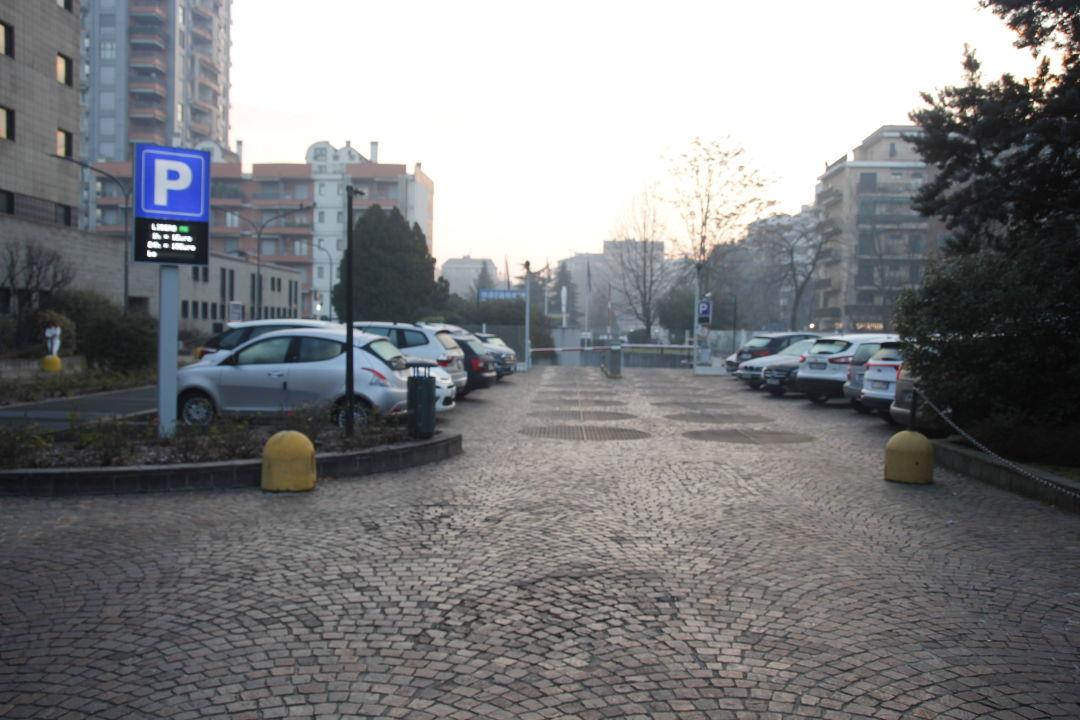 Kostenfreier Parkplatz ibis Hotel Milano Ca Granda