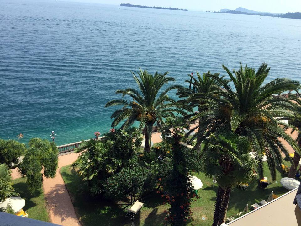 Blick aus dem Zimmer auf den Garten Grand Hotel Fasano