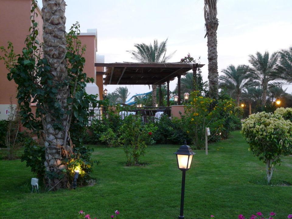Aussenansicht Terrasse Strassenseite Jaz Dar El Madina Marsa Alam