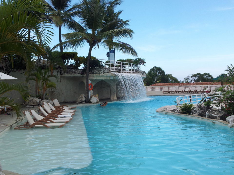Pool mit wasserfall cofresi palm beach spa resort playa cofresi holidaycheck - Pool mit wasserfall ...