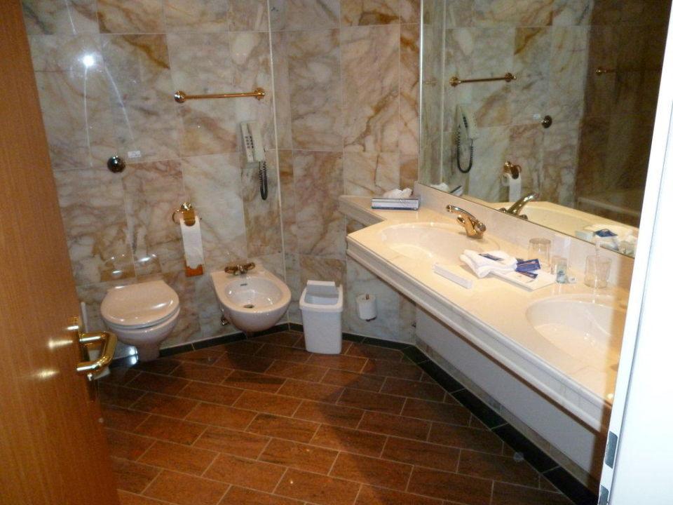 Bild badezimmer zu maritim hotel stuttgart in stuttgart - Badezimmer stuttgart ...