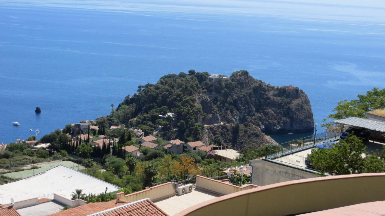 Ausblick vom Zimmer auf das Meer Hotel La Pensione Svizzera