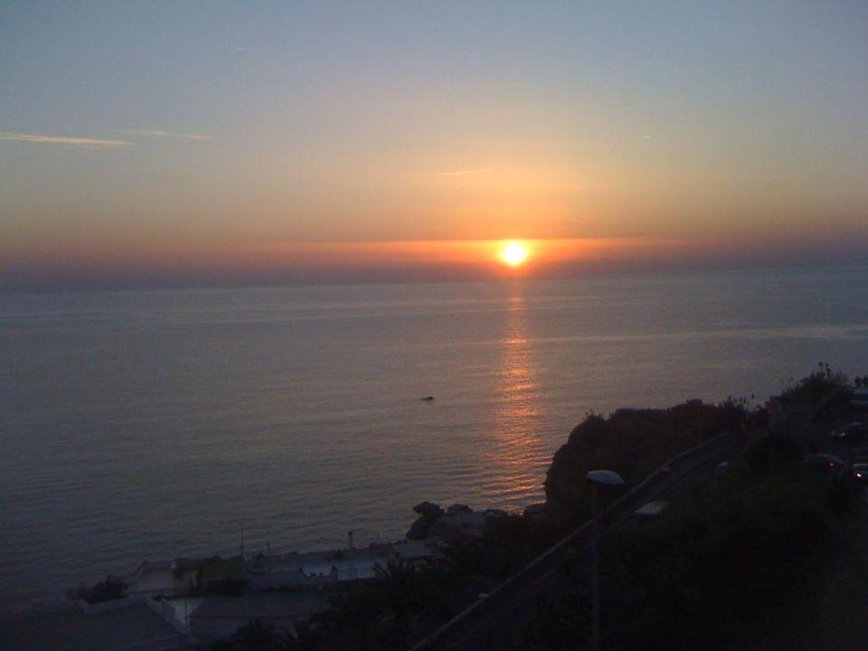 Sonnenuntergang vom Zimmerbalkon aus  Hotel Royal Palm Terme & Parco San Marco