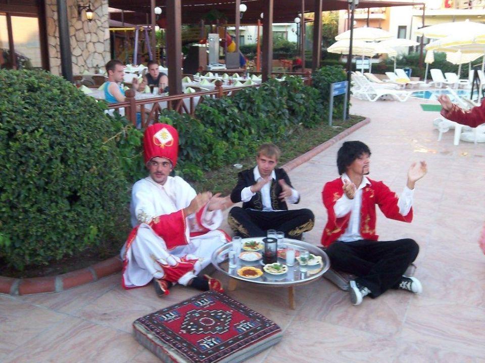 Animation am türkischen Abend Hotel Club Gypsophila Holiday Village