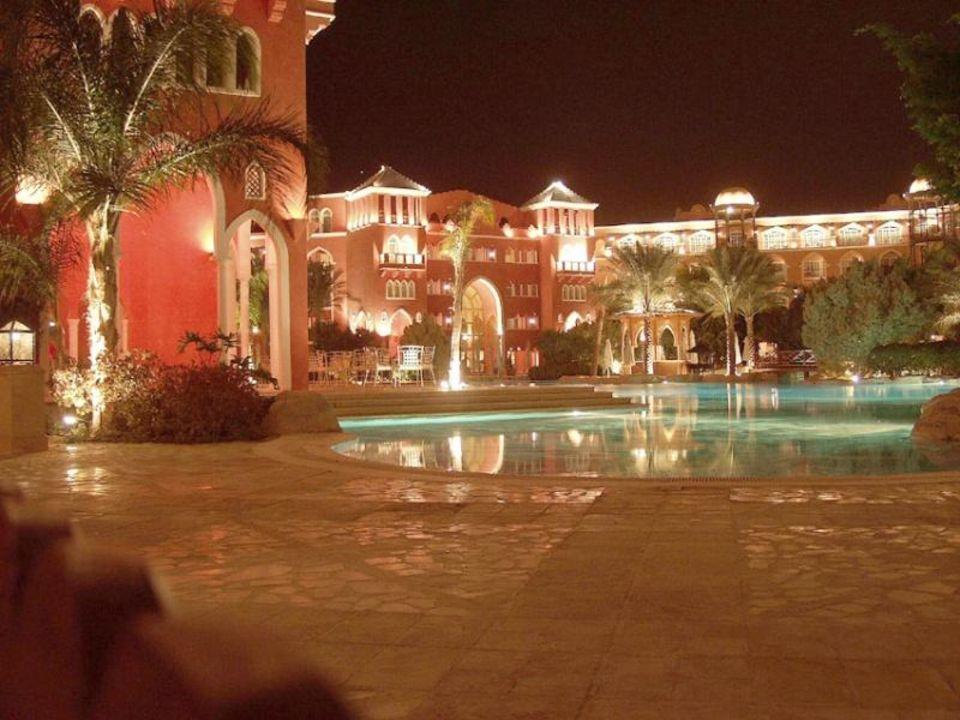 Grand Resort, Pool bei Nacht The Grand Resort