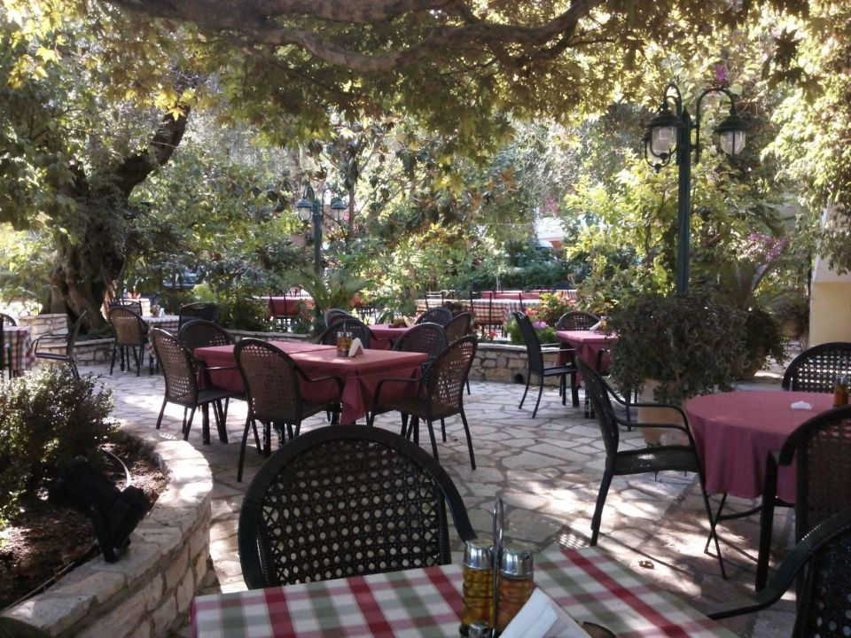 Restaurant & Breakfast Area  House Vassilis