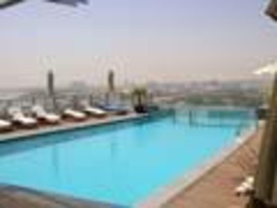 Hilton Dubai Creek auf dem Dach #1 Hilton Dubai Creek