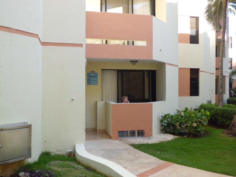 zimmer mit balkon und sch nem ausblick hotel viva wyndham dominicus beach bayahibe. Black Bedroom Furniture Sets. Home Design Ideas