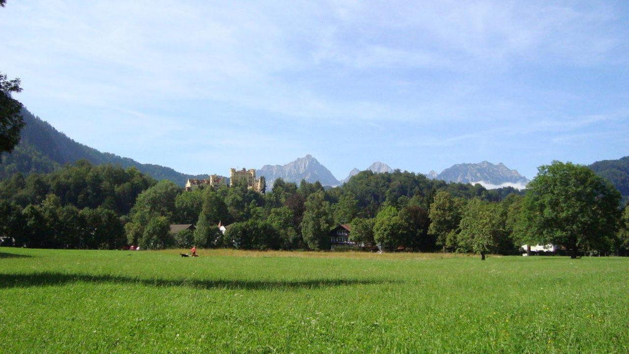 Blick auf dei Tiroler Alpen Hotel Schlossblick Garni