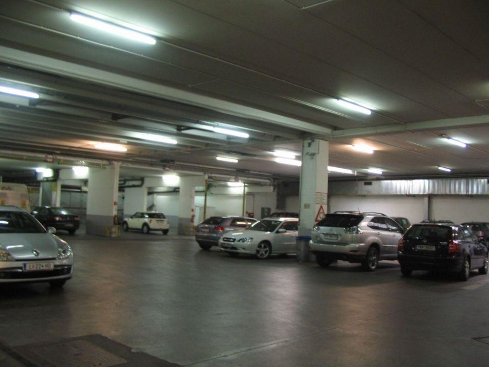 Garage of the hotel Austria Trend Hotel Ananas
